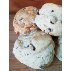 The Cream Tea Box Cherry Raisin